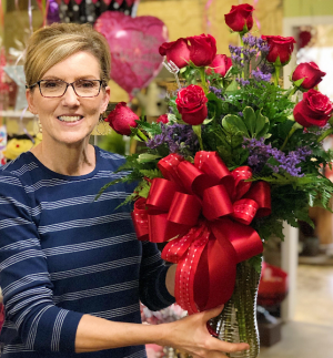 Classic Dozen Red Roses Vase Arrangement in Huntington, TX | LIZA'S GARDEN