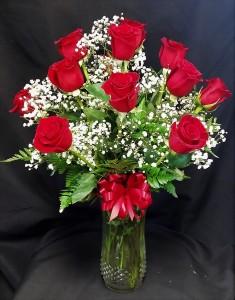 Classic Dozen Roses  in Peru, NY | APPLE BLOSSOM FLORIST