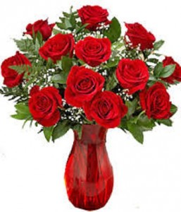 Classic Dozen Roses In Ruby Red Vase 1 Dozen Roses In Ruby Red Vase