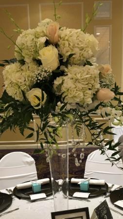 Classic Elegance Pilsner Vase Centerpiece