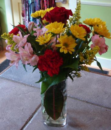 Classic Garden Vase Arrrangement