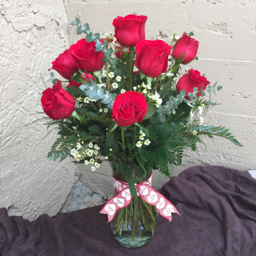 Classic Long-Stemmed Roses Vased Arrangement