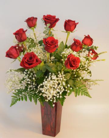 Classic Love Dozen Red Roses