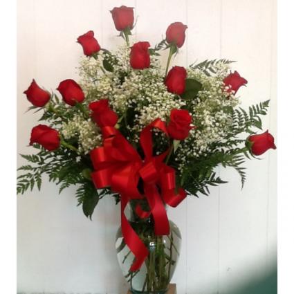 True Love 12 Roses In A Vase