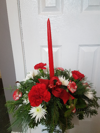 Classic Red & White Single Candle Centerpiece