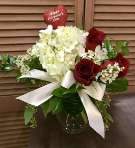 Classic Romance  in Youngstown, OH | BLOOMING CRAZY FLOWERS AND GIFTS