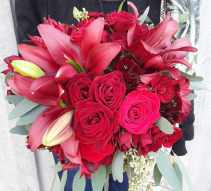 Classic Romance Bouquet of Flowers