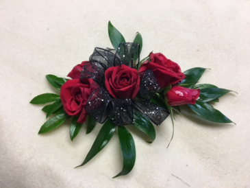 Classic Roses Wrist Corsage