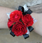 Classic Spray Rose Wrist Corsage
