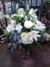 Classic Tribute Sympathy Arrangement