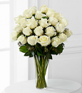 12, 18 or 24 Classic White Roses Rose Arrangement