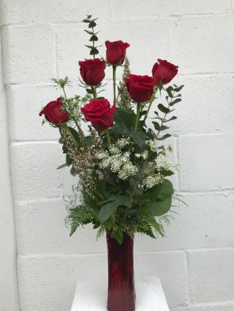Classy 1/2 Dozen Roses  Vase Arrangement