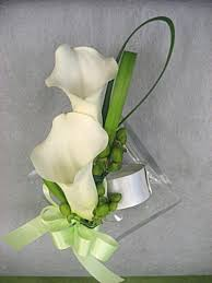 Classy Candlelight Corsage