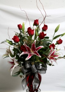 CLASSY ROSES AND LILIES ARRANGEMENT in Davis, CA | STRELITZIA FLOWER CO.