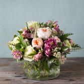 Close Encounter   in Oakville, Ontario   ANN'S FLOWER BOUTIQUE-Wedding & Event Florist