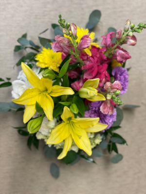 Cluster Fun Fresh cut in Oak Ridge, TN | MOTT'S FLORAL DESIGN