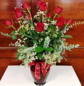 Coaches Deluxe Dozen  Roses in Red
