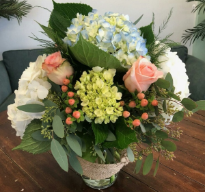 Coastal Chic Vase Arrangement in Bluffton, SC | BERKELEY FLOWERS & GIFTS