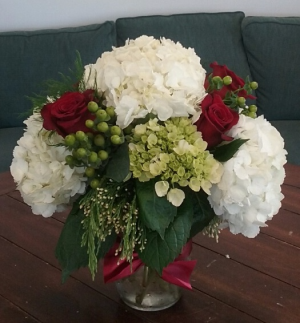 Coastal Christmas Arrangement in Bluffton, SC | BERKELEY FLOWERS & GIFTS