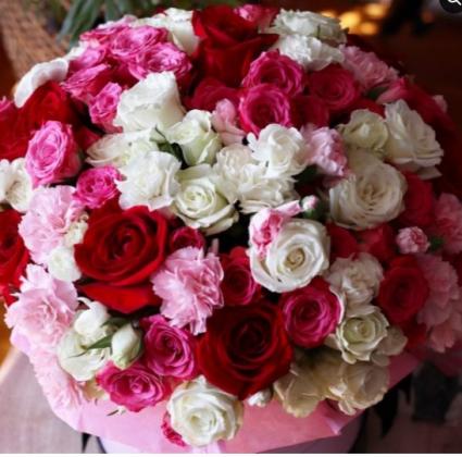 Color-Block Spray Rose Arrangement HAND TIED BOUQUET