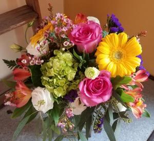 color splash vase arrangement in Pawling, NY | PARRINO'S FLORIST