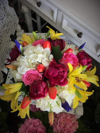 Color Splash Vase Arrangement