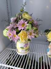 Colorful Daisy Arrangement Decorative Pot