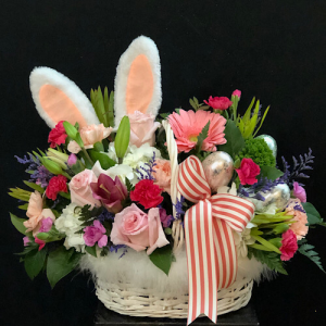 Confessions of a Hop-a-holic  Easter basket in Chesterfield, MO | ZENGEL FLOWERS AND GIFTS
