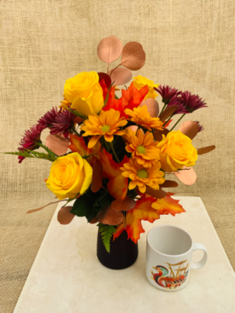 Coppertone Kiss  Fresh vase arrangement