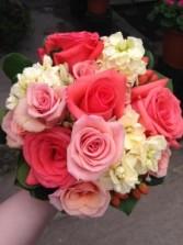 CORAL TONES Handheld Bouquet