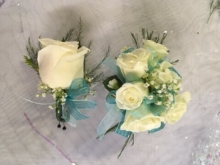 Prom corsage and boutonniere corsage and boutinere pairing