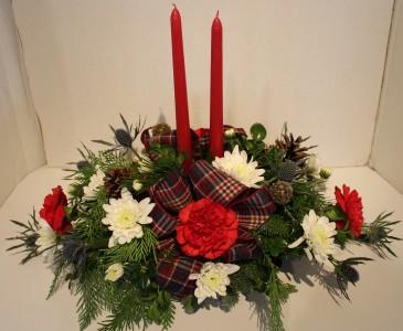 Cottage Christmas Fresh flower centerpiece