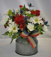 COUNTRY BANNER USA FRESH FLOWER ARRANGEMENT