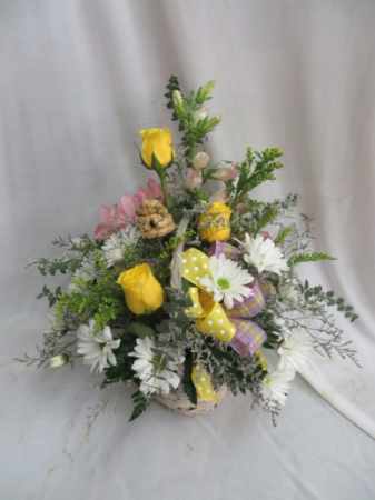 Country Basket Fresh Mixed Arrangement in a Basket
