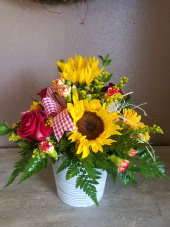 Country charm Fresh arrangement