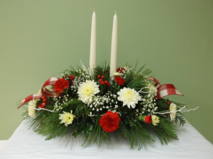 COUNTRY CHRISTMAS CENTERPIECE in Springfield, VT   WOODBURY FLORIST