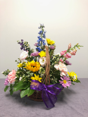 Country Garden Basket in Emporia, KS | RIVERSIDE GARDEN FLORIST