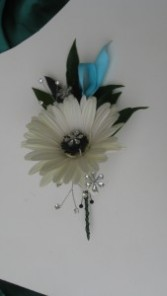 Crazy Daisy Boutonniere