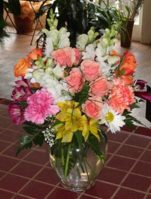 Creamsicle Mixed Arangement in a Vase in Montgomery, NY | MONTGOMERY FLORIST