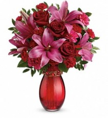 Crimson Kisses Bouquet  t15v105a
