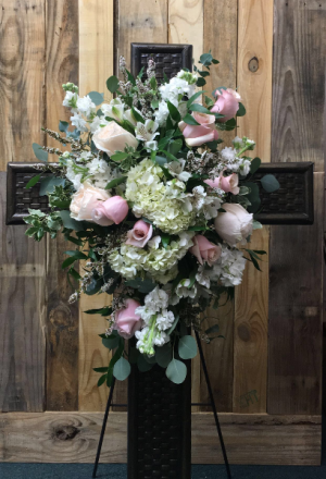 CROSS MY HEART FUNERAL ARRANGEMENT in Moses Lake, WA | FLORAL OCCASIONS