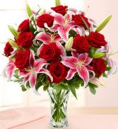 Crystal Vase with Rose and Lily Bouquet Vase