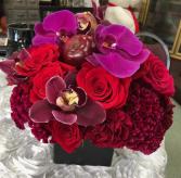 cube red & Burgundy peony, amaryllis, rosés Valentine