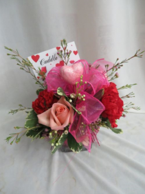 Cuddle Up Cube Fresh Arrangement of Roses, Carns and Filler