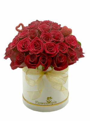 Cup Cake Love Bouquet White Box with Red Roses in Miami, FL | FLOWERTOPIA