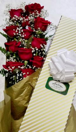 Cupid's Box Boxed Dozen Roses w/Greens and BB in Fulton, NY   DeVine Designs