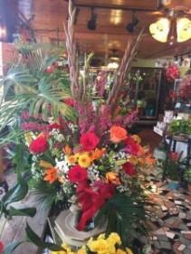 custom floral arrang.