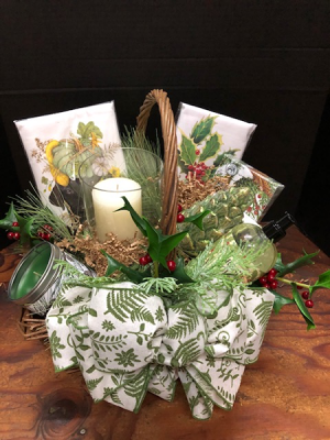 Custom Gift Basket  in Southern Pines, NC | Hollyfield Design Inc.