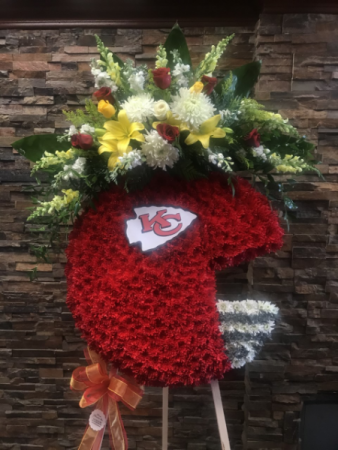 "CUSTOM NFL "" CHIEFS "" HELMET FUNERAL FOOTBALL HELMET STANDING  SPRAY"