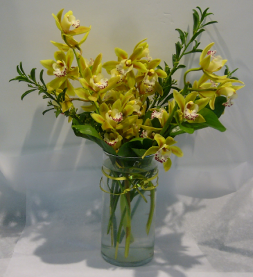 CYMBIDIUM ORCHID VASE Floral Arrangement